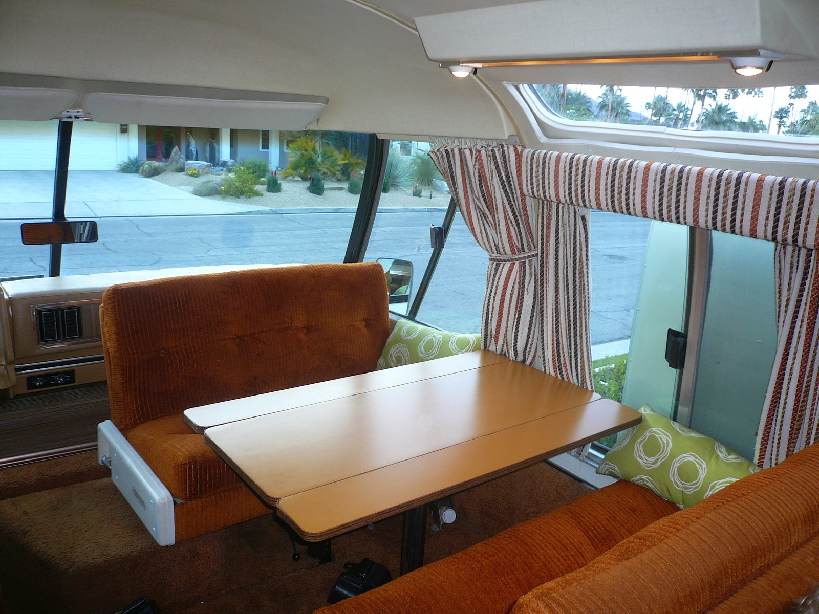 The Airstream Argosy Roto Dinette Viewrvs Com Rv Blog